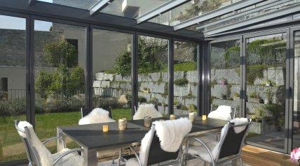 wintergarten winterg rten balkonverglasungen glasfaltw nde ruswil malters wolhusen. Black Bedroom Furniture Sets. Home Design Ideas